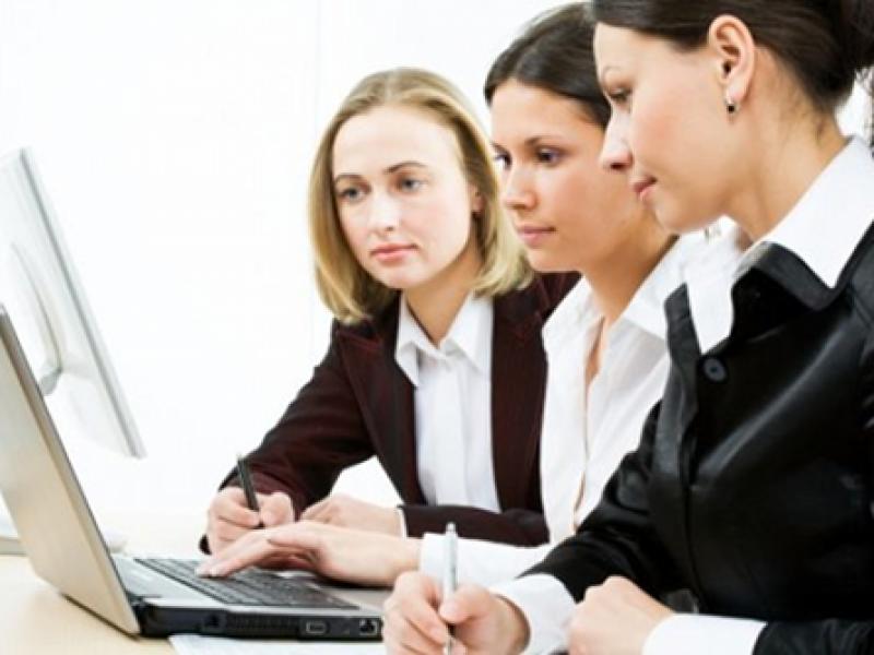 Mujeres son penadas socialmente por incumplir trabajo no remunerado: Investigadora