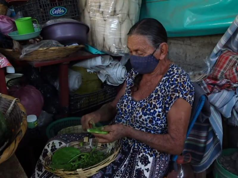 Mujeres zapotecas, las reinas del comercio local del Istmo