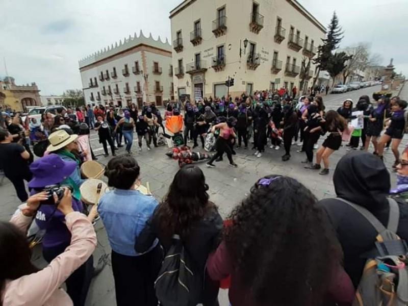 Multitudinaria movilización de mujeres en Zacatecas