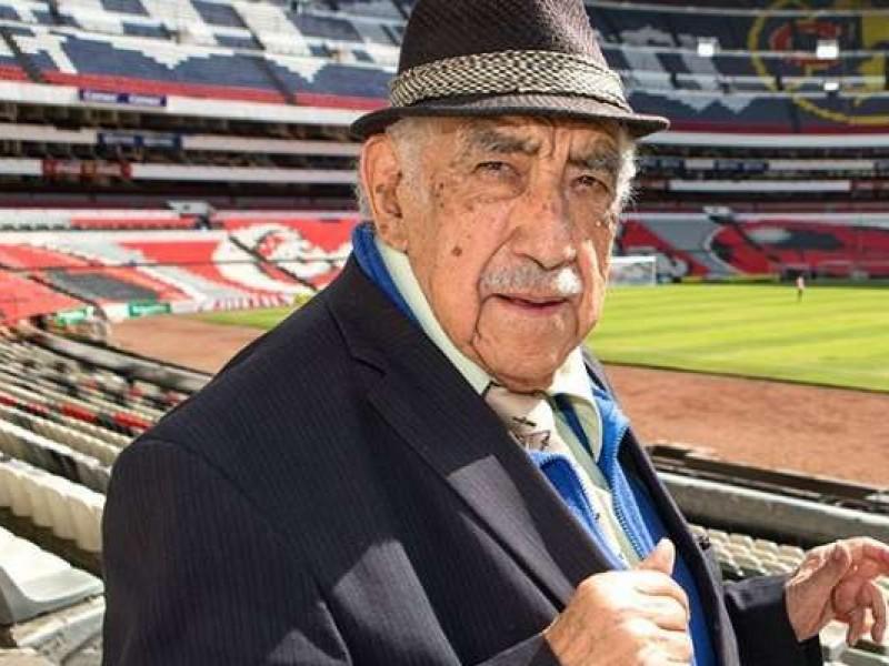 Muere Don Melquiades, voz oficial del Estadio Azteca
