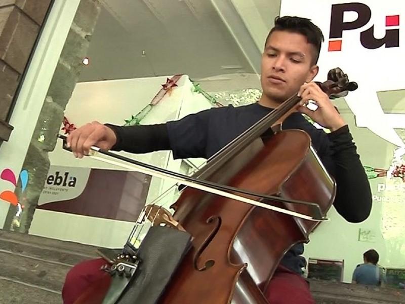 Música, carrera de toda la vida: Diego, violonchelista
