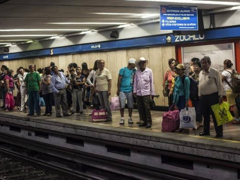 Nace bebé en estación del metro Zócalo