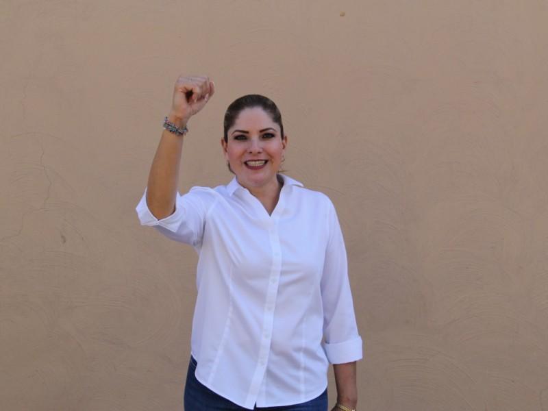 Nadia Ramírez se reincorpora al Ayuntamiento de Xalisco