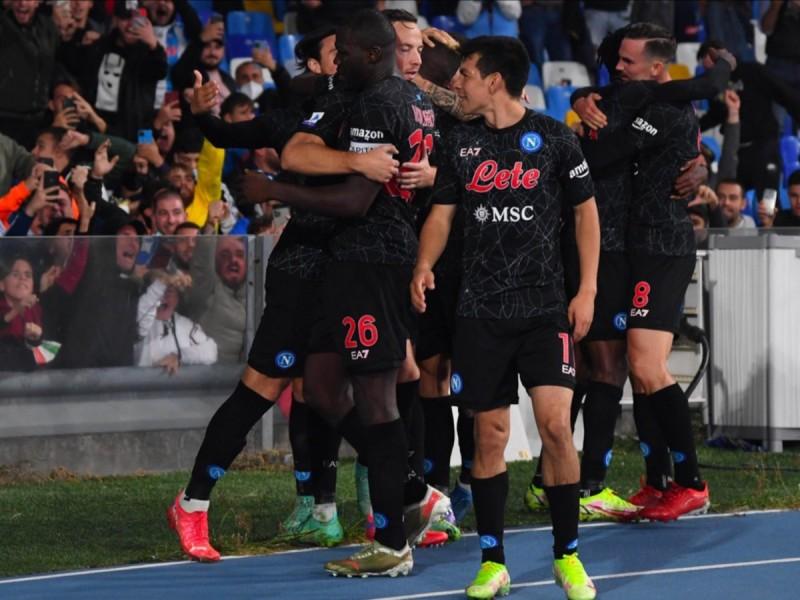 Napoli logra ocho en fila en la Serie A
