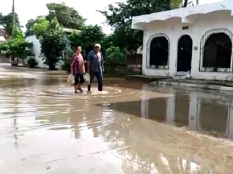 Narda inundó cuatro escuelas en Bahía de Banderas