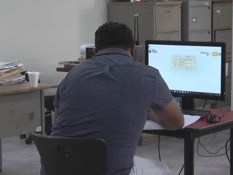 Necesidad laboral impulsa a jóvenes a regularizarse ante IVEA