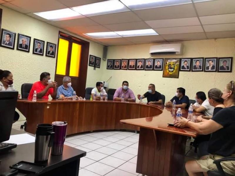 Negocios en Santiago Ixcuintla atenderán hasta las 2 pm