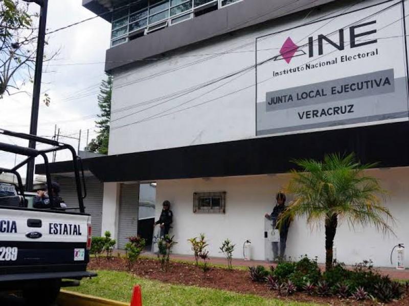 Niega INE registros de 12 aspirantes independientes