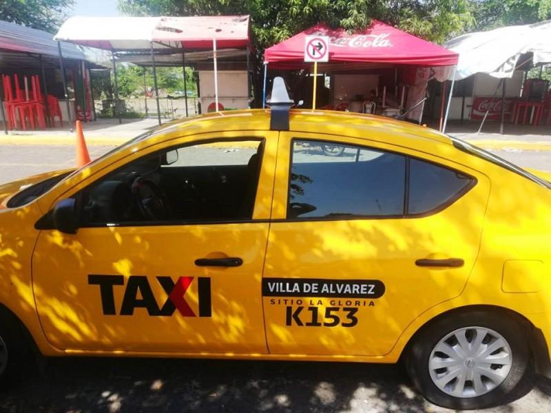 Niegan servicio a enfermera, taxista es sancionado