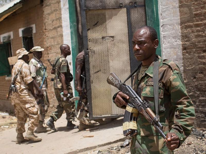 Nigeria: más de 500 reos escapan tras una explosión
