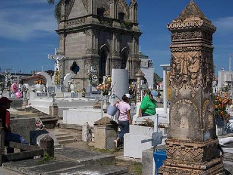 Ningún panteón abrirá el Día de Muertos en Nayarit