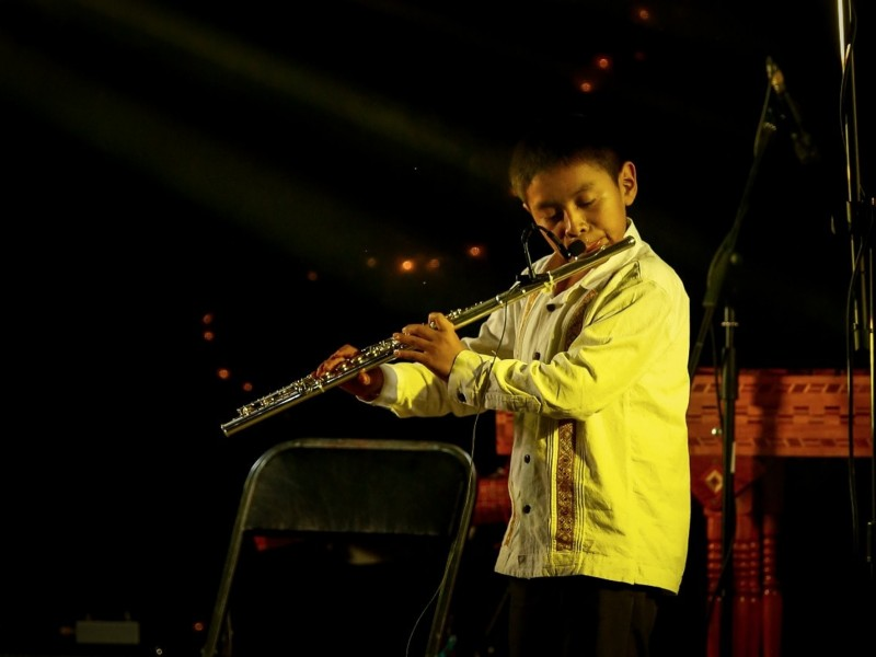 Niño tzotzil invitado a Festival Internacional de Flauta