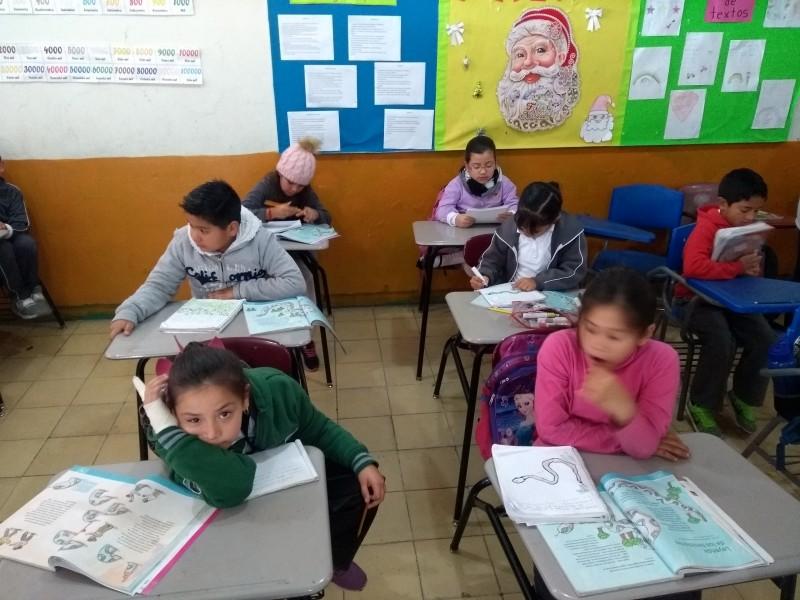 Niños regresan con entusiasmo a clases