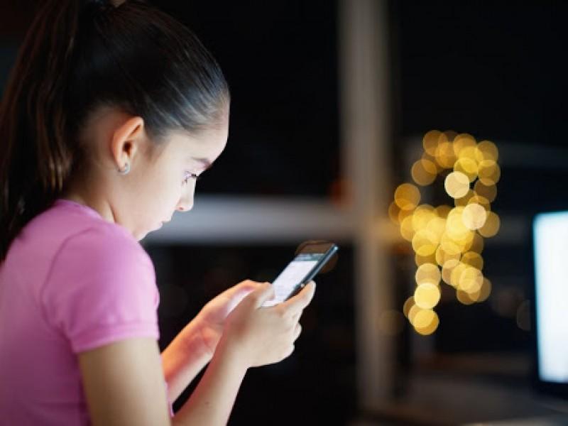 Niños y jóvenes expuestos por manejo inadecuado de redes sociales