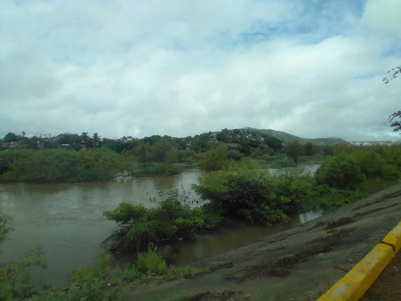 Nivel del río Tehuantepec al 50% tras fuertes lluvias