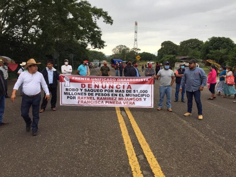 No hay paso hacia Veracruz por bloqueo carretero