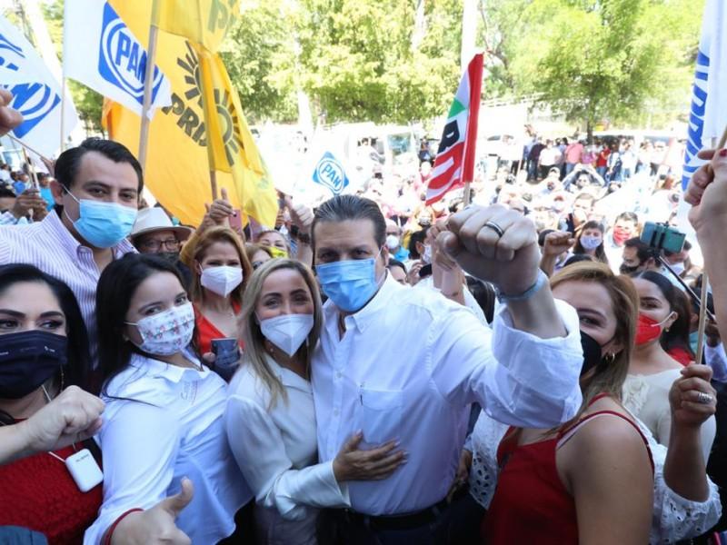No los invité: Mario Zamora sobre aglomeraciones en su registro