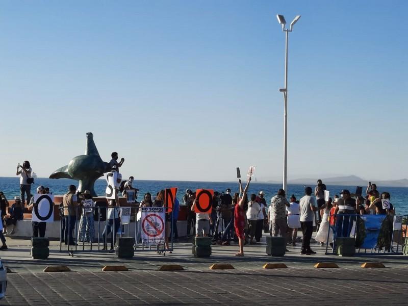 No somos estacionamiento; ciudadanos se manifiestan contra cruceros