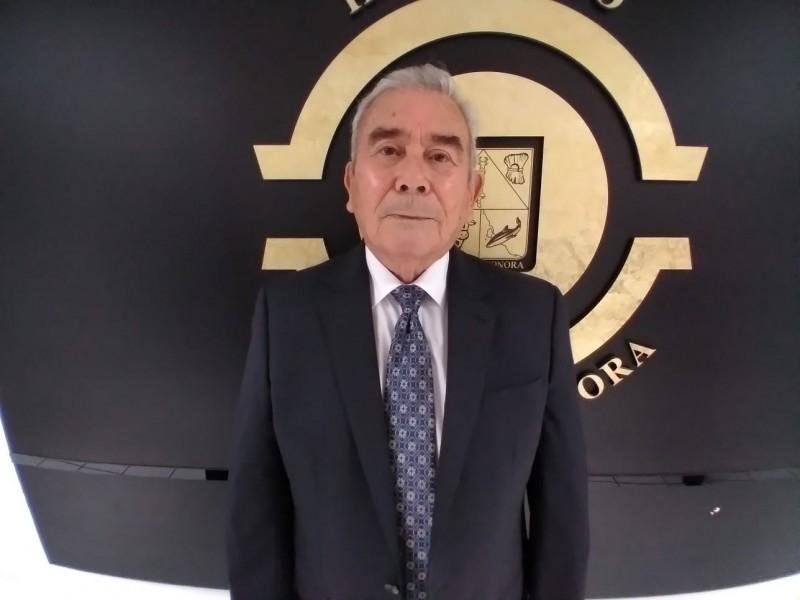 Nombran a Rafael Acuña Griego como magistrado propietario de STJE