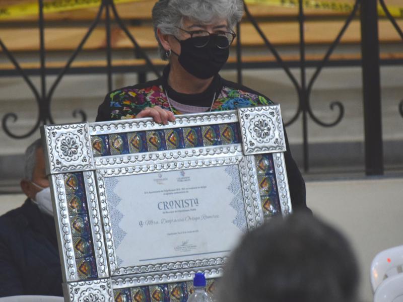 Nombran primer cronista mujer en Sierra Norte