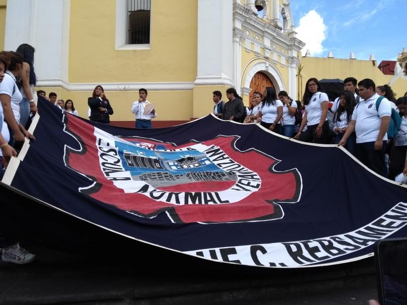 Normalistas conmemoraron 2 de Octubre