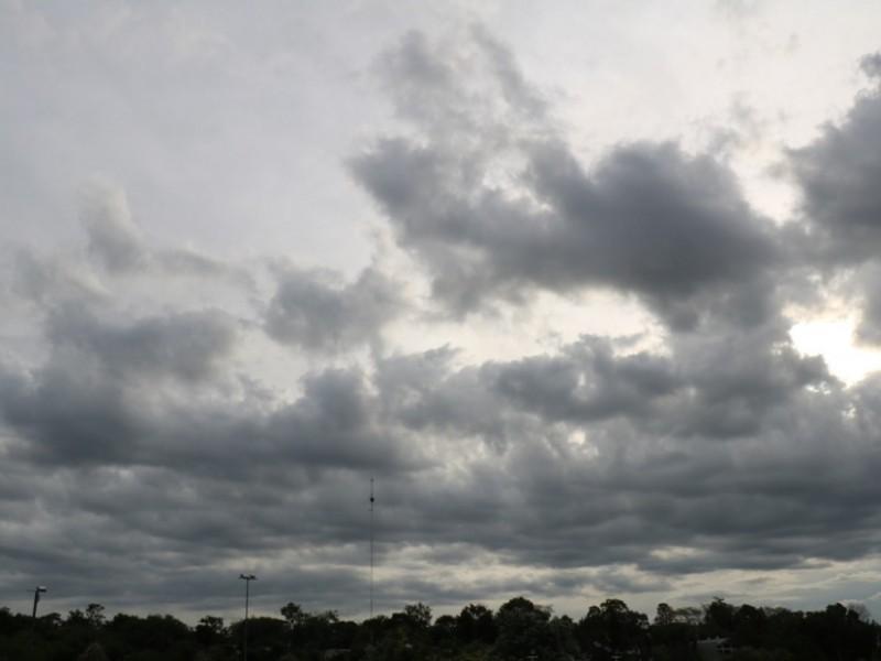 Nublados y posibles chubascos en amplias regiones de Sonora