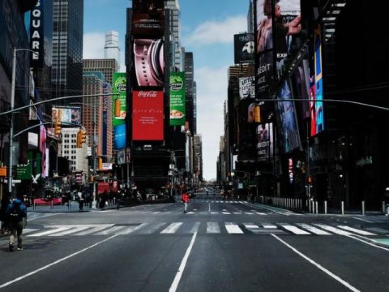 Nueva York alcanza 70% de población vacunada, levanta restricciones Covid-19