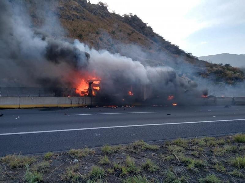 Nuevamente se suscita accidente e incendio en autopista Guadalajara-Tepic
