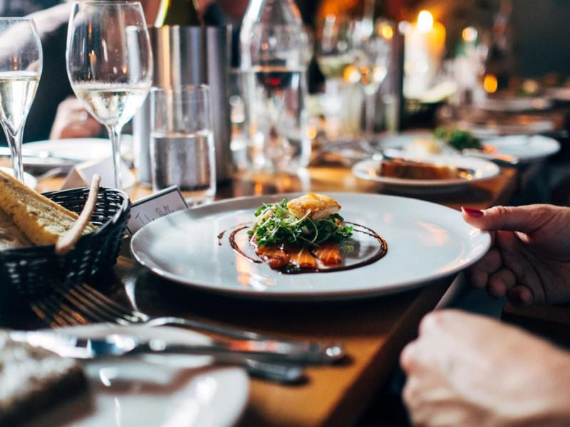 Nuevas medidas en restaurantes podrían aumentar empleos; CANIRAC