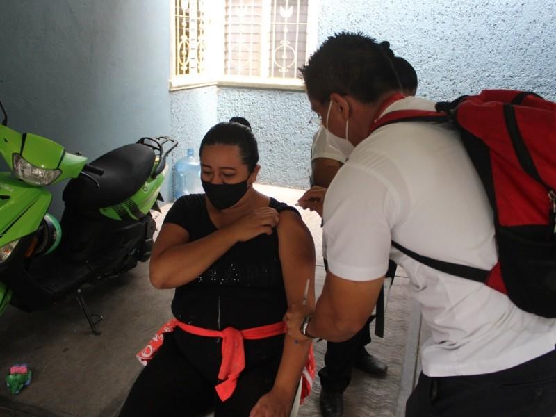 Nueve mujeres y tres hombres enferman de Covid-19 en Colima