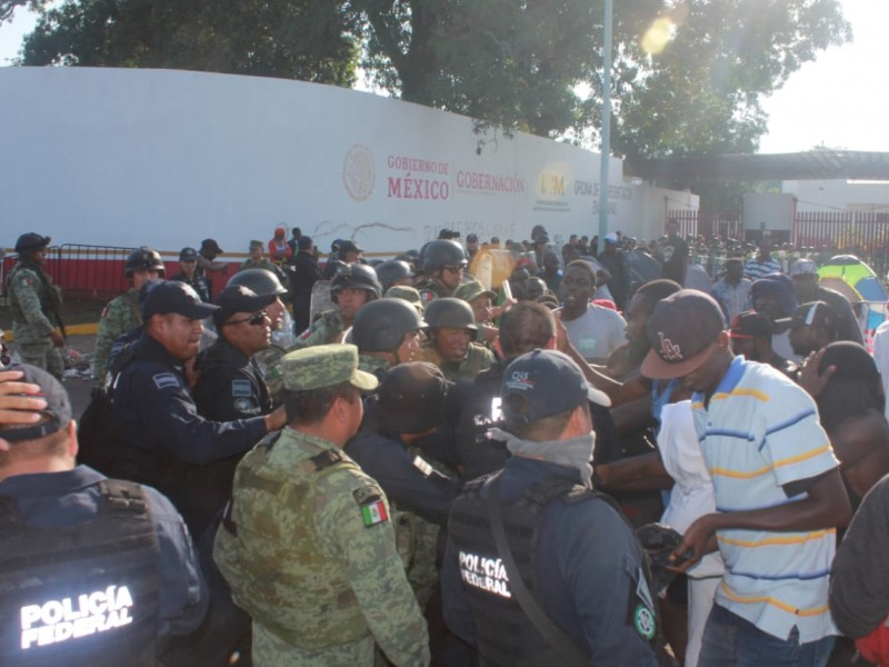Nuevo enfrentamiento entre africanos y autoridades en Tapachula