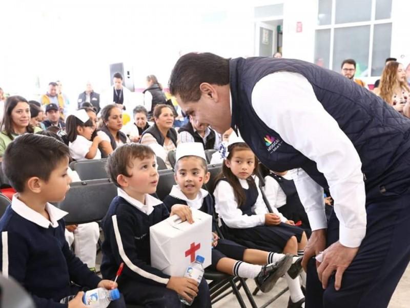 Nunca más niños deberán perder clase: Silvano Aureoles