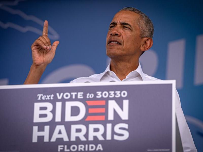 Obama pide votar por Biden para dejar atrás tiempos oscuros