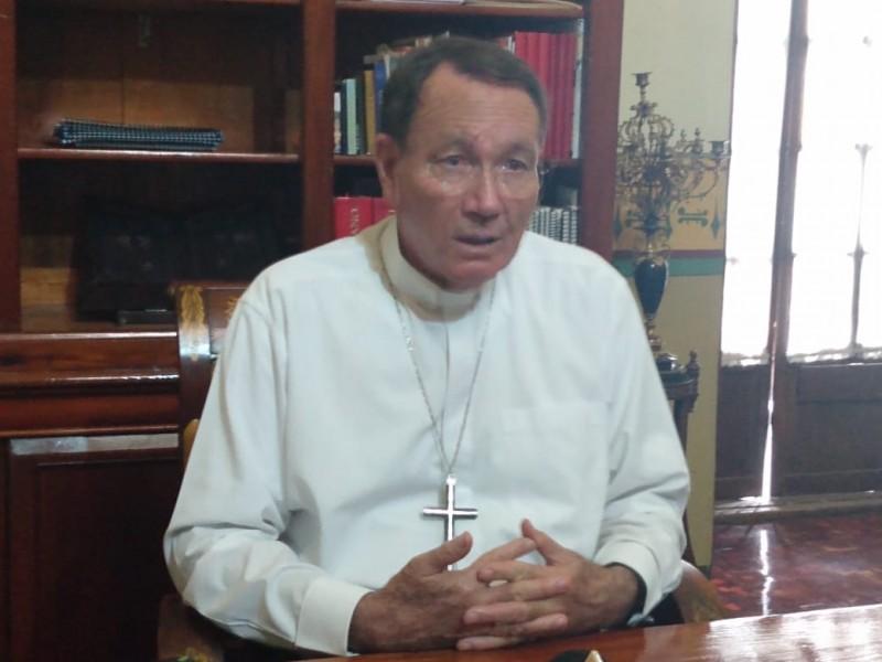 Gobierno tiene que examinar las estrategias de seguridad:Obispo