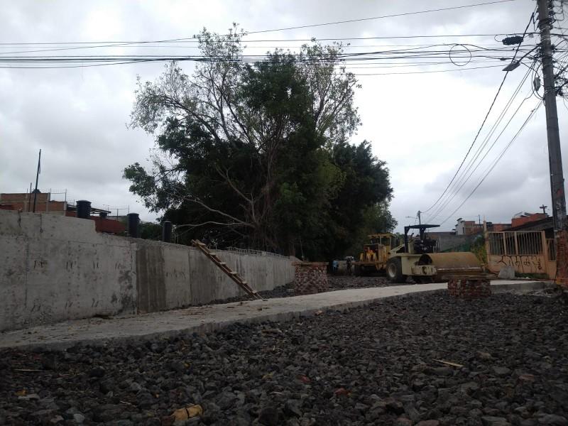 Obra del puente en avenida Ocampo está detenida: ciudadanos