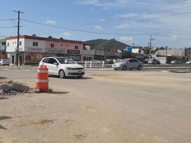 Obras inconclusas de OOMSAPAS afectan comercios y flujo vehicular