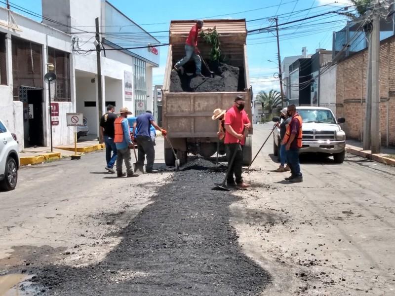 Obras Públicas de Tepic repara la calle Fresno