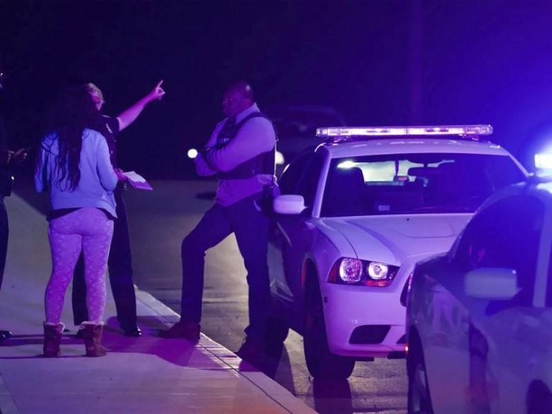 Ocho muertos por tiroteo en almacén de FedEx en Indianápolis