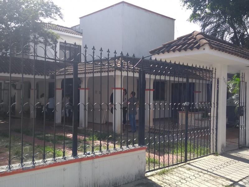 Oficinas de gobierno provocan molestias a vecinos