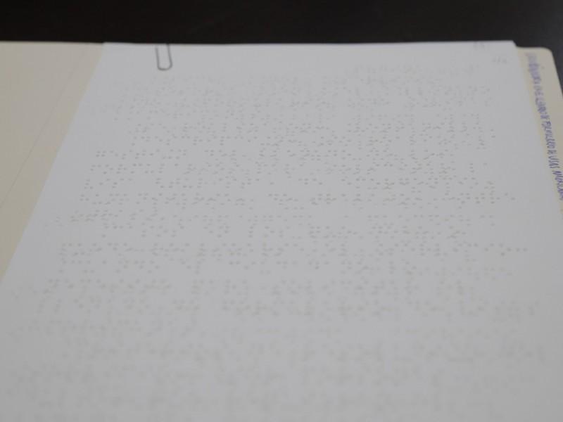 Ofrece gobierno del estado 30 trámites en braille