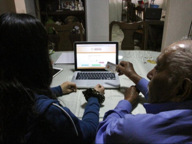 Ofrecen apoyo para registro de personas interesadas en vacuna antiCOVID