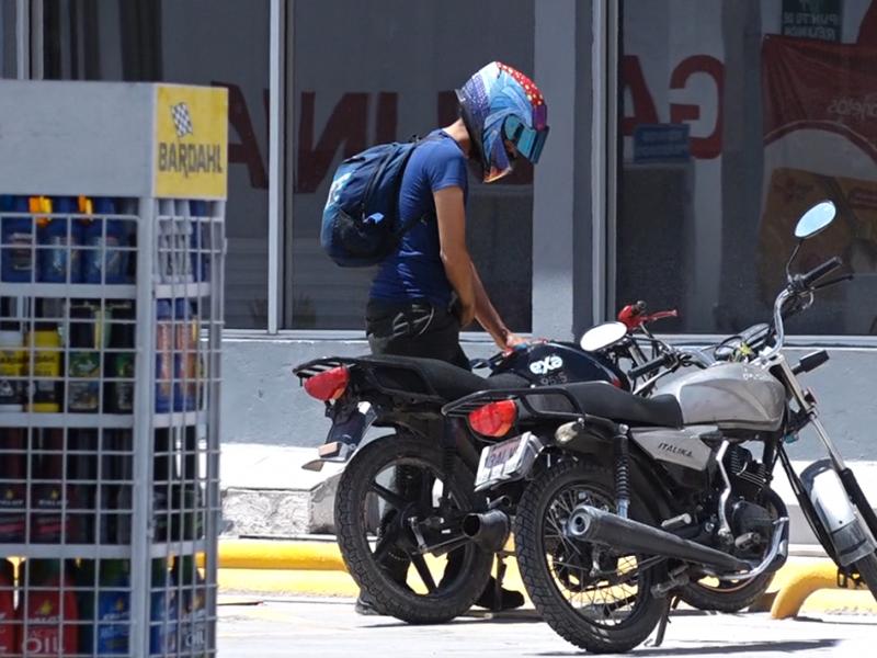 Descuento del 50 % en pago de placas para motocicletas