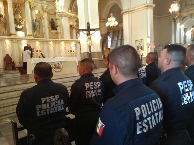 Ofrecen misa a policías