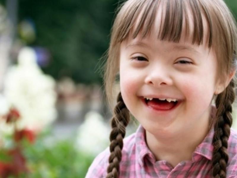 Ofrecen terapias de aprendizaje para niños con Síndrome de Down