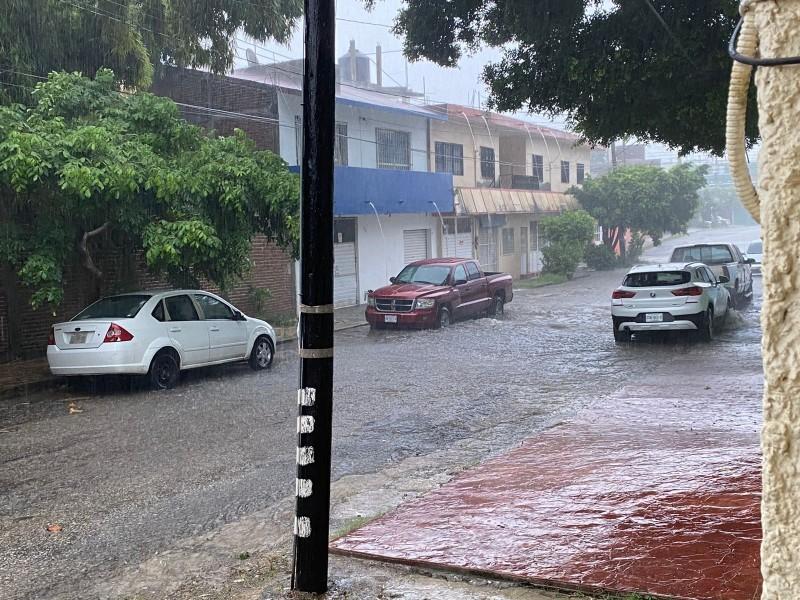 Onda tropical podría pasar a ciclón tropical