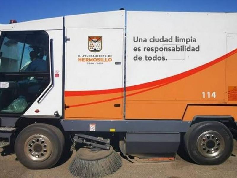 Opera una de las cinco barredoras que hay en Hermosillo
