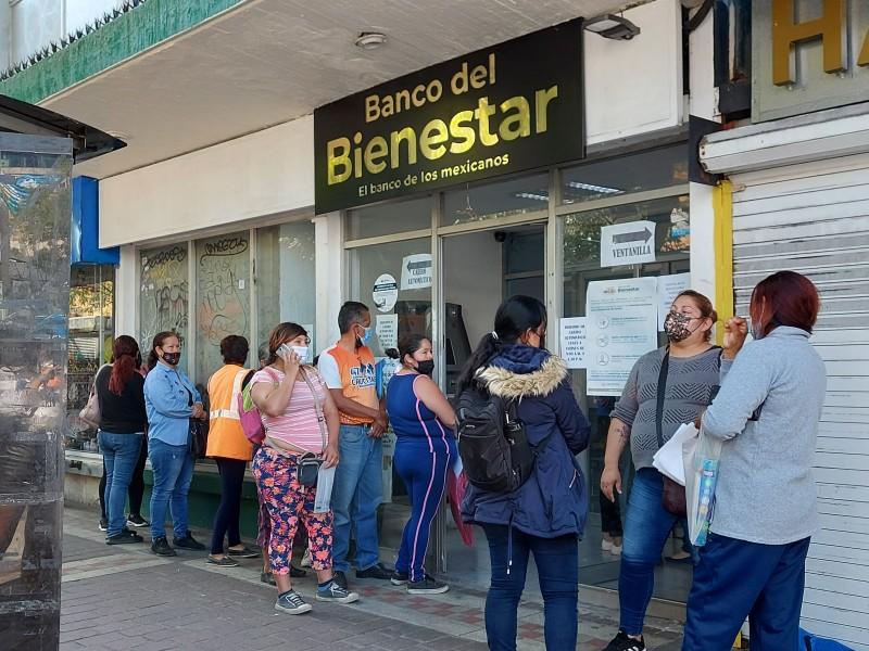 Operan Bancos del Bienestar con lo mínimo