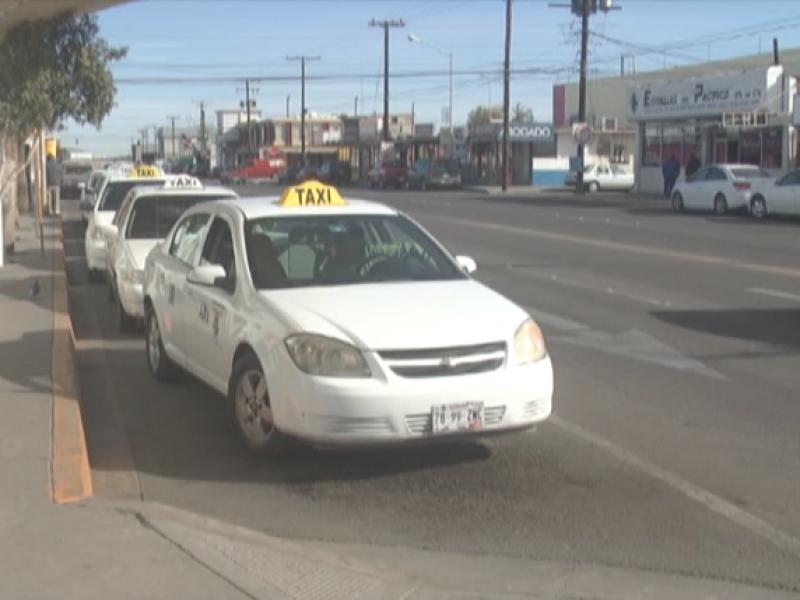 Opinan taxistas sobre rampa para discapacitados