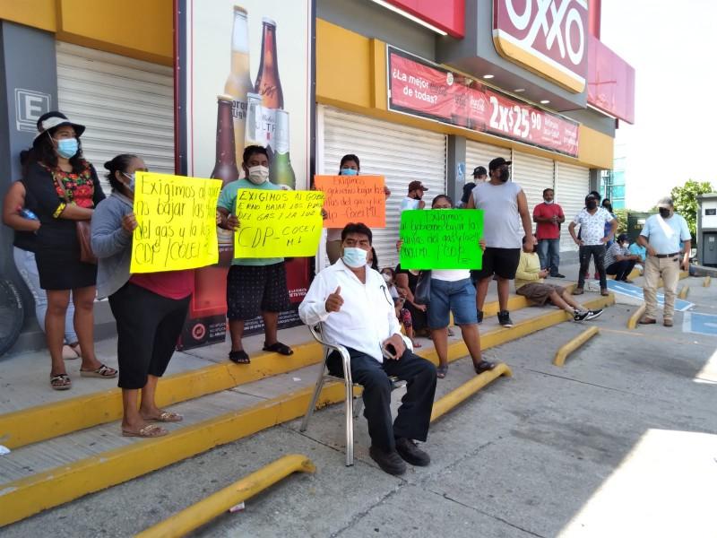Organizaciones sociales exigen bajo costo del gas y energía eléctrica