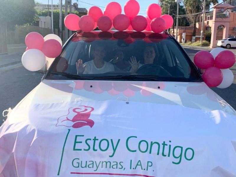 Organizan caravana en el día del cáncer de mama.